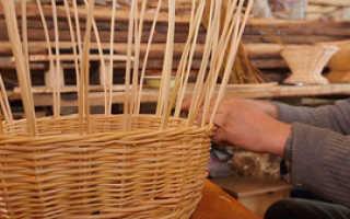 Плетение корзины из ивовых прутьев
