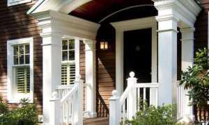 Крыльцо с козырьком в частном доме, фото возможных вариантов